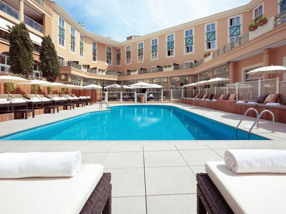 Grand h tel roi ren mgallery salle s minaire aix en for Nice hotel avec piscine