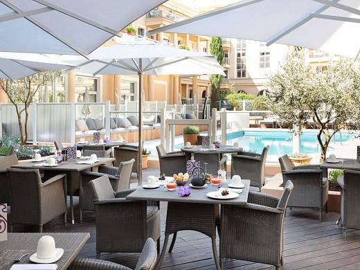 Grand Hôtel Roi René MGallery - terrazza