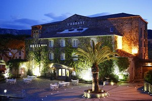 Hostellerie de l'Abbaye Calvi - In the evening