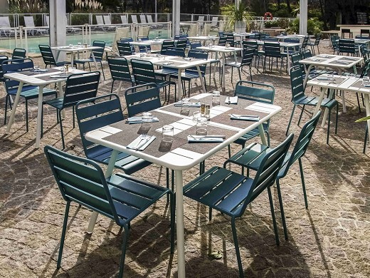 Novotel marseille est - terraza del restaurante