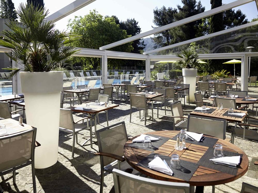 Novotel marseille is - terrace