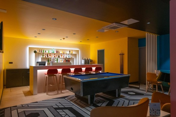 Ibis styles south avignon - inside