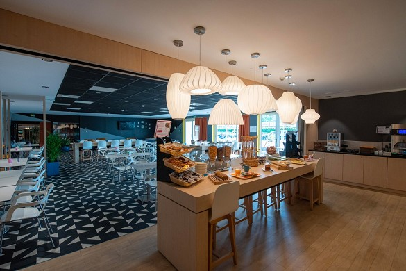 Ibis styles avignon south bar