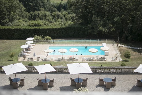 Domaine de la tortiniere - the terrace and the pool