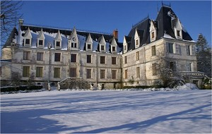 Chateau de reignac on winter indre
