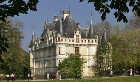 Chateau de reignac on frontage indre