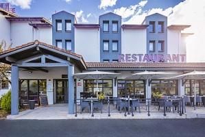 Loreak Hotel - Fachada