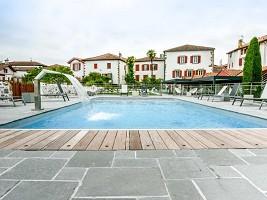 Hotel Restaurant Euzkadi - Piscina