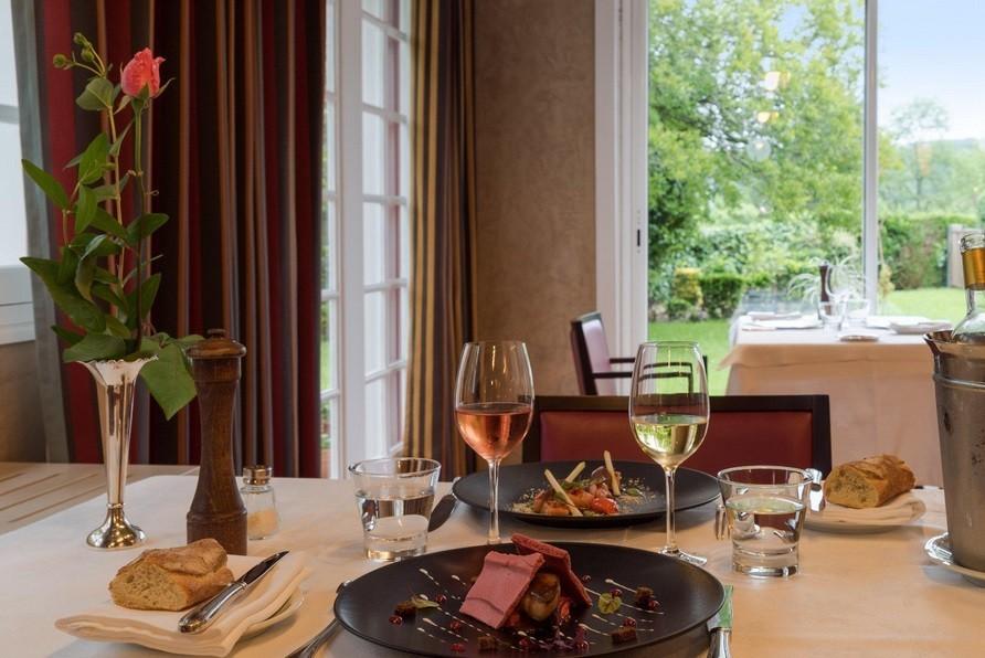 The originals relay hotel argi-eder - table