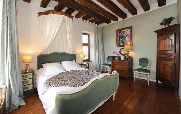 Chateau de jallanges - dormitorio