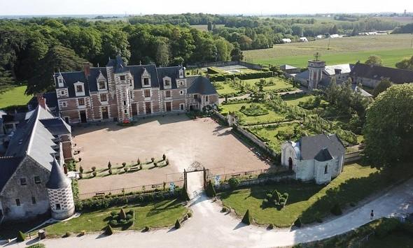 Chateau de Jallanges - exterior