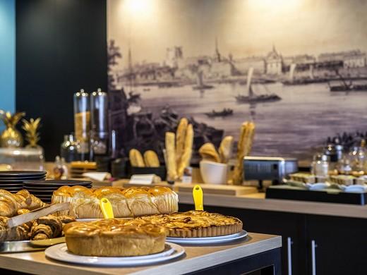 Mercure banks of the Loire Saumur - breakfast
