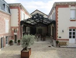 Villa Bissinger Champagne Wine School - Außenansicht