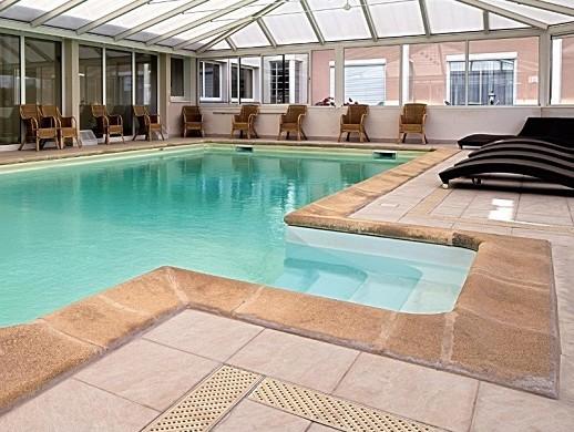 Hostellerie du Mont love - pool