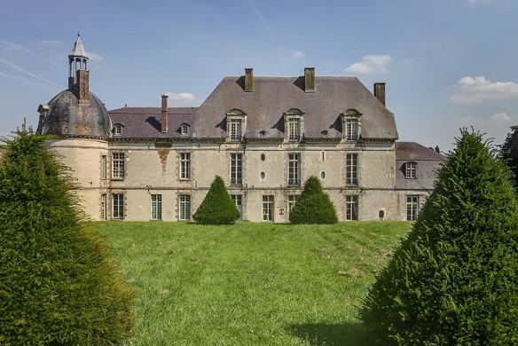 Chateau d'etoges - Front