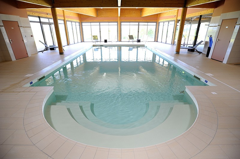 The val moret - swimming pool
