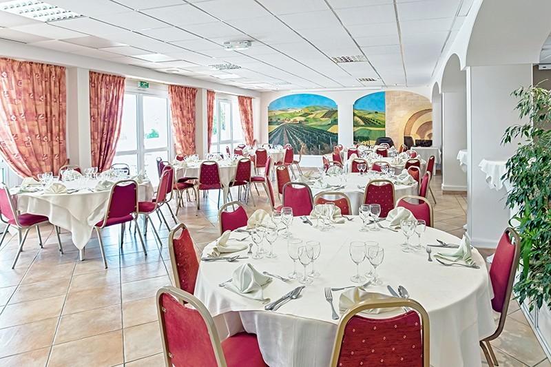 The Val Moret - restaurant