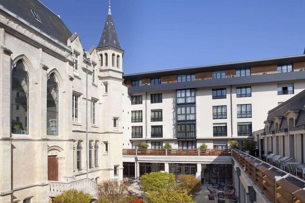 Best western plus hotel de la paix salle s minaire reims for Piscine reims