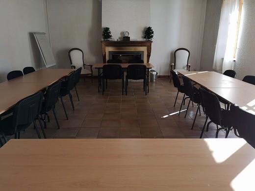 Escampette farmhouse - u-shaped room