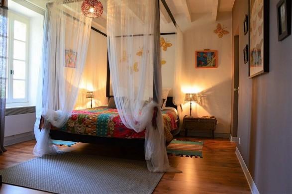 Escampette farmhouse - bedroom
