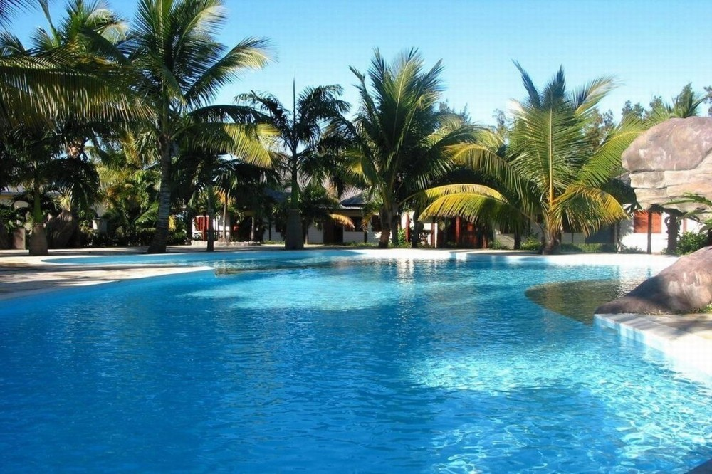 Hôtel domaine des pierres - piscine
