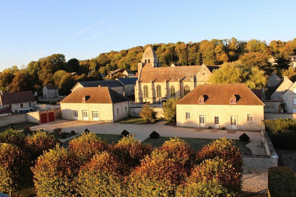 Chateau de Guiry - exterior