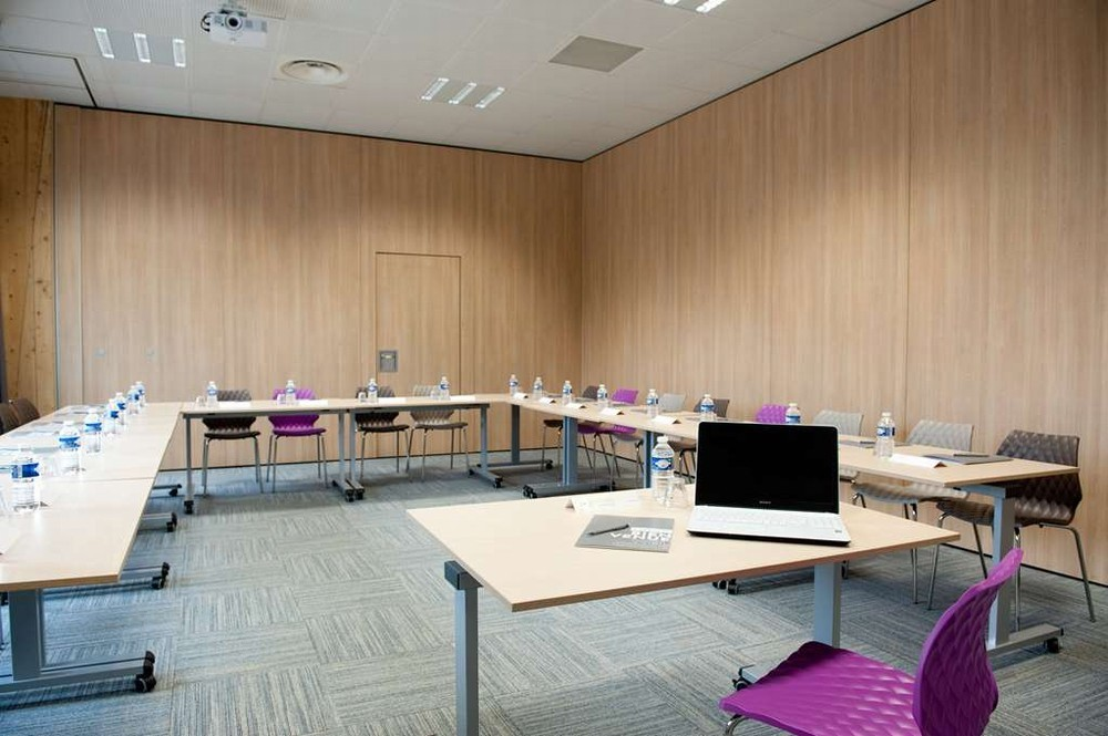 Campanile limoges center station - meeting room