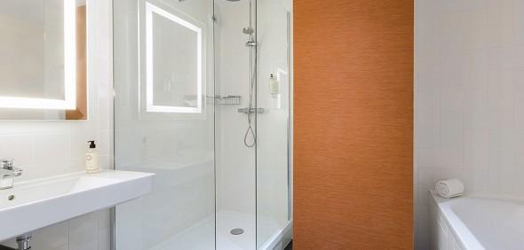 Best western the door of the castles - bathroom