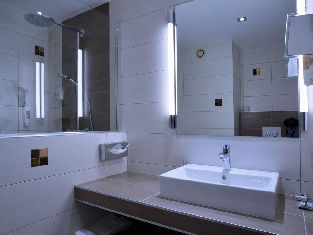 Mercure montpellier centre comédie - salle de bain