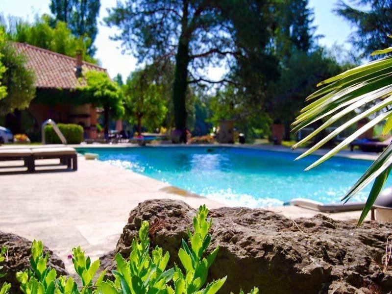 Domaine de charlyne - piscine