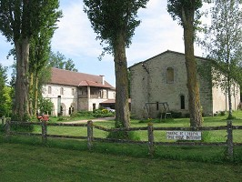 Saint Gilbert de Neuffonts Abbey - Exterior