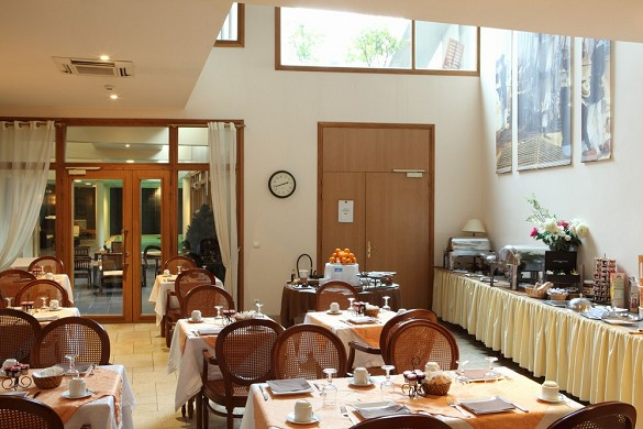 Amiral hotel - breakfast