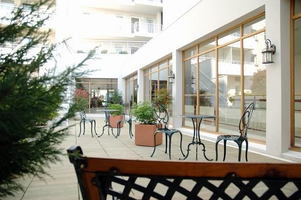 Amiral hotel - courtyard garden
