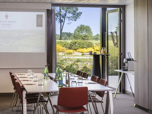 Medoc resort golf hotel - meeting room