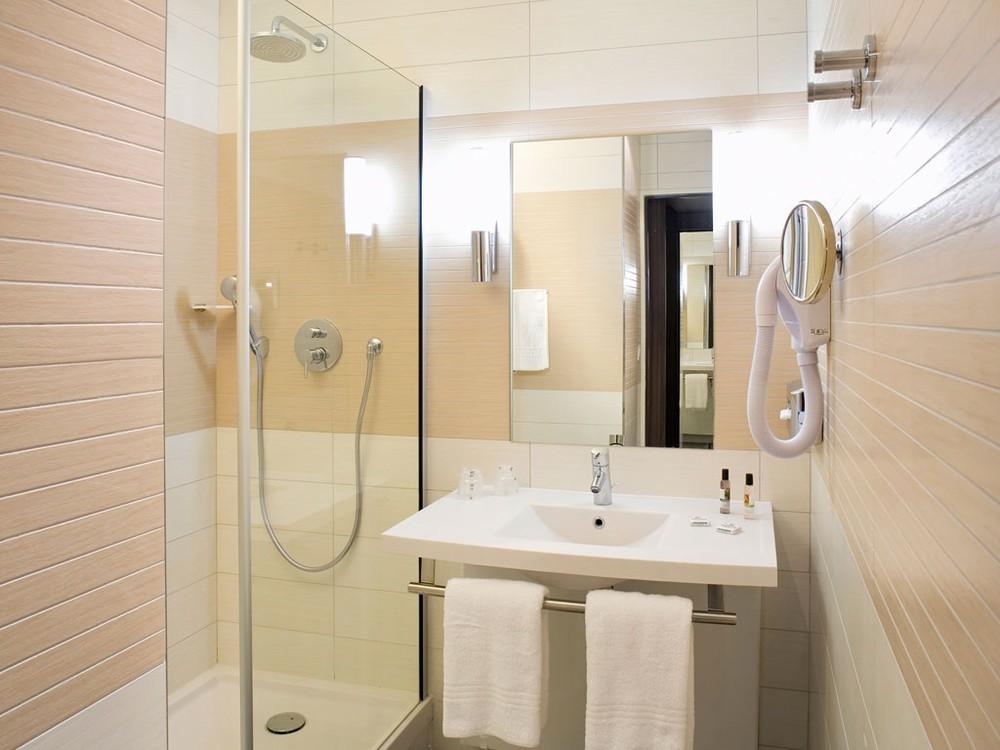 Mercure libourne saint emilion salle s minaire bordeaux 33 for Vente salle de bain bordeaux