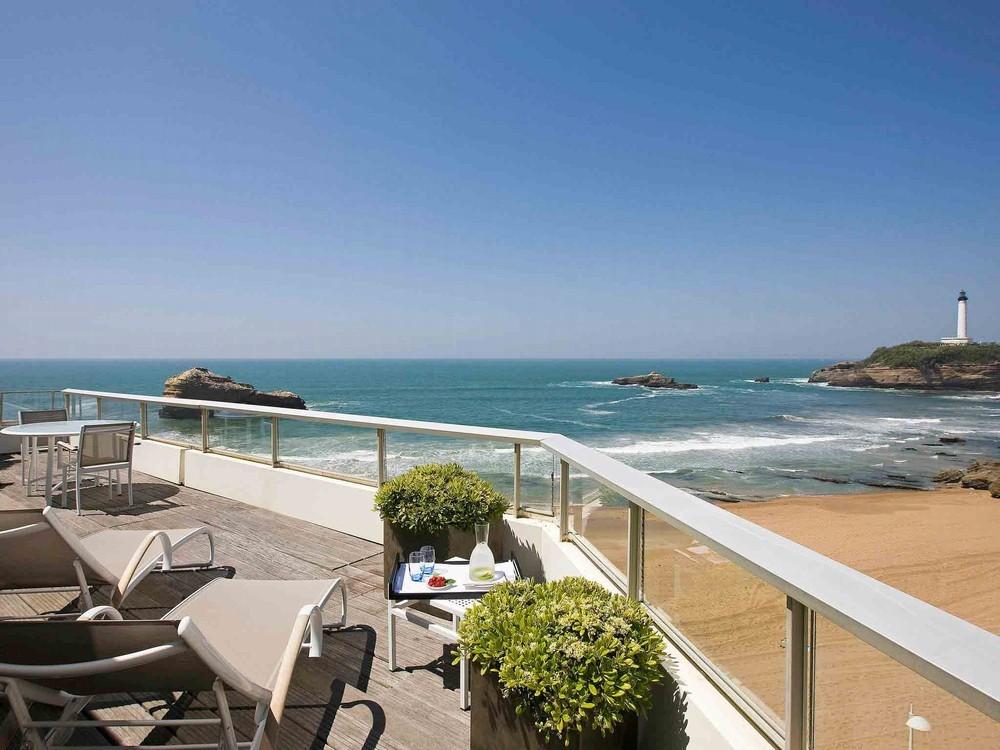 Sofitel Biarritz miramar thalassa sea and spa - terraza con vistas al mar