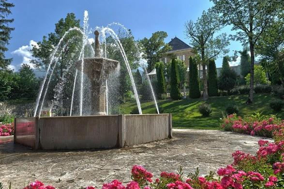 Grassys Castle - Brunnen