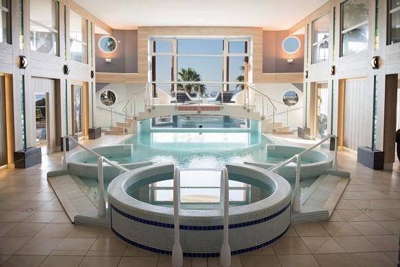 Grand hotel les flamants rose e spa - piscina interna riscaldata con acqua di mare