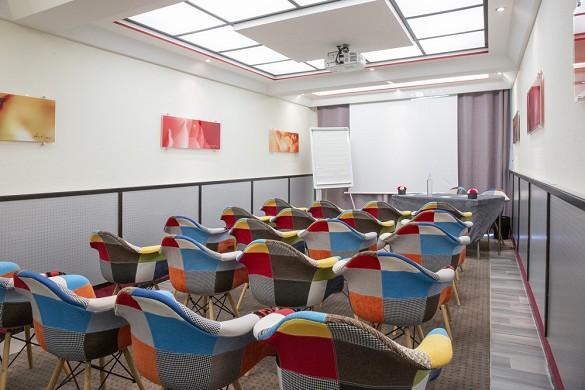 Grand hotel les flamants rose e spa - sala maestrale in teatro