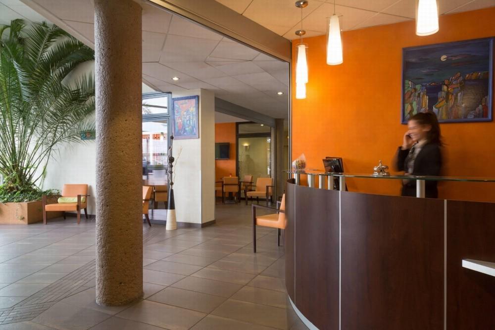 The originals boutique actuel hôtel saint-etienne aéroport - réception