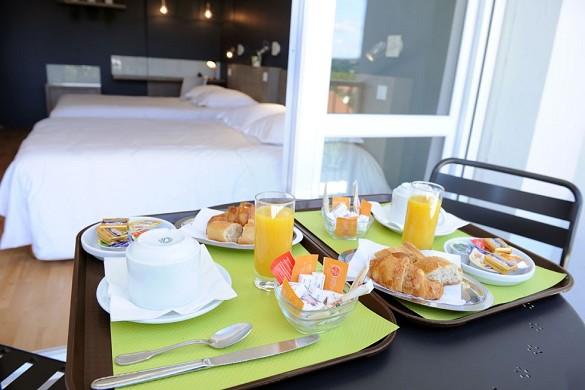 Hotel Vulcan - desayuno en la habitación
