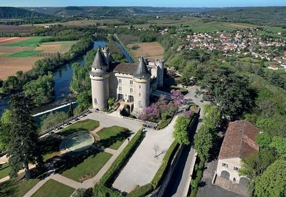 Castle of Mercuès - overview