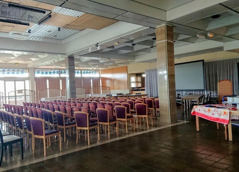 Escala en louvois - sala plenaria