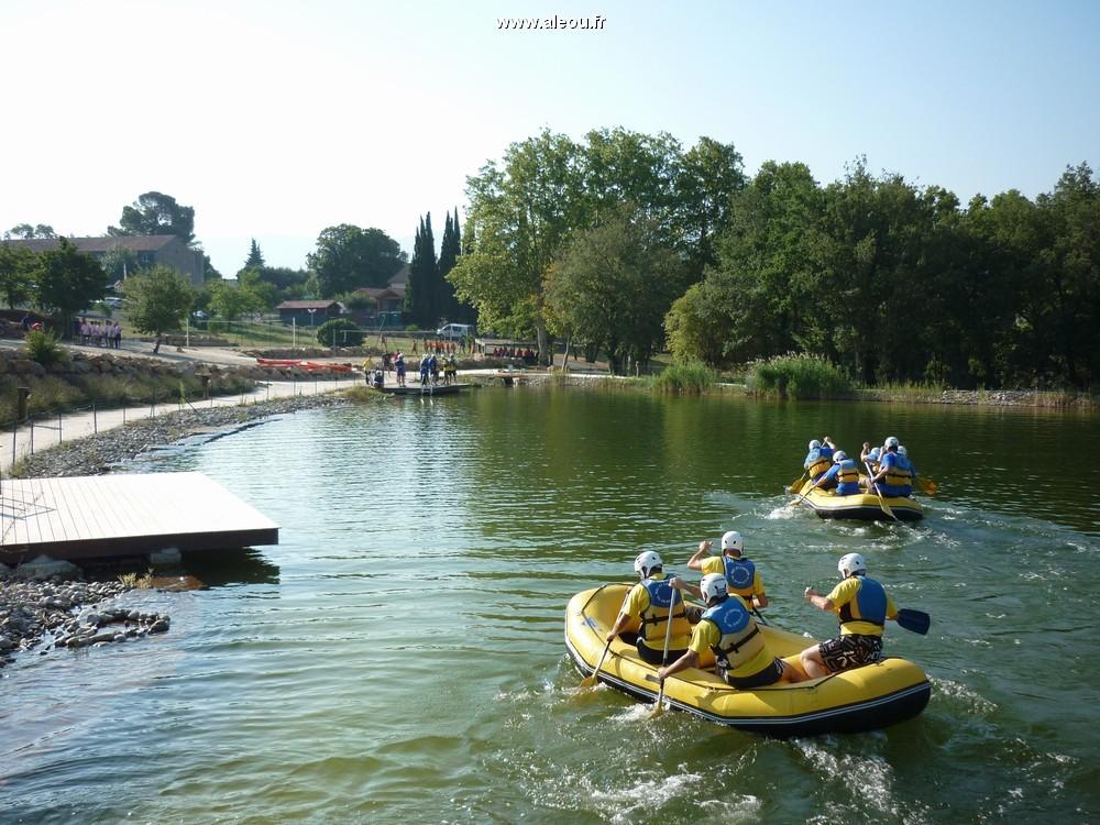 Vayamundo quillan-l'espinet - sportliche Herausforderung: Rafting-Rennen