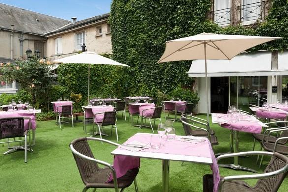 The originals city, hotel le cheval rouge tours ouest - terrace