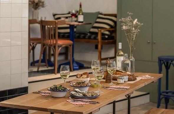 Chouchou hotel - table