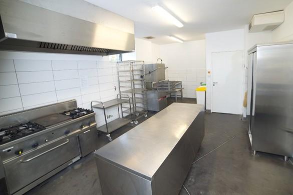 Domaine de soussuejouls - kitchen