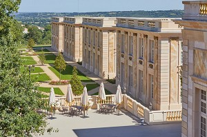 4 * hotel in the great century. new in 2020, the 6th themed hotel in Puy du Fou, has 96 rooms.