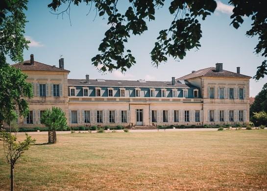 Château saint-denis - exterior