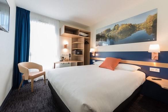 K hotel - room